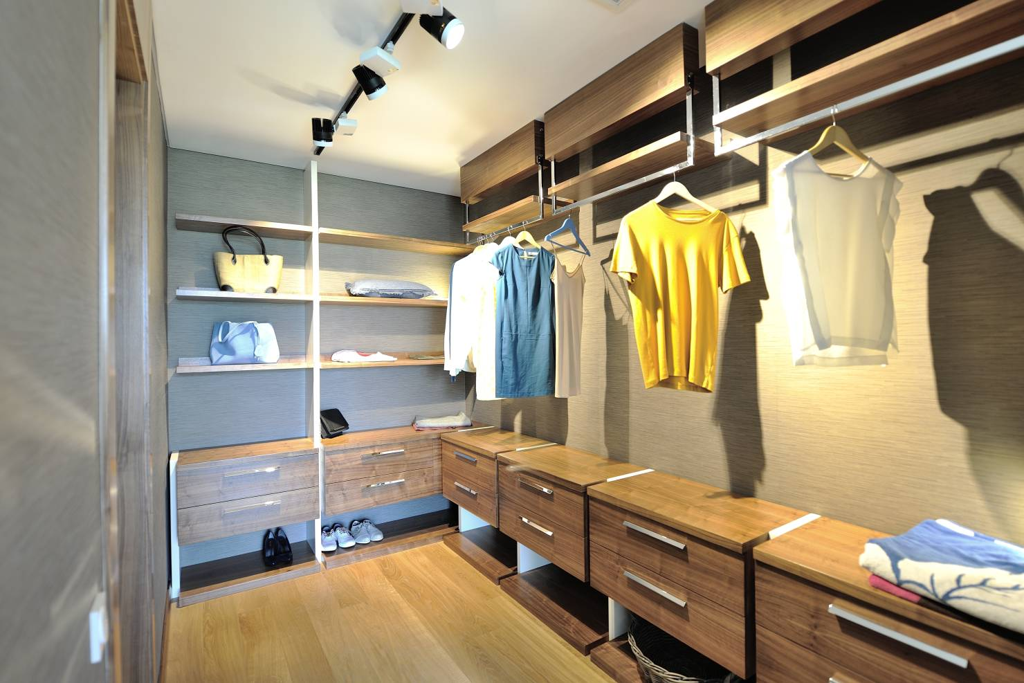 Giyinme Odası Dekorasyonu Ve Modelleri 2019